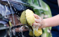 Comment nettoyer sa voiture à la maison
